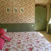 green_bedroom_2